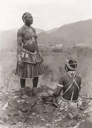 Tsonga( Shangaan) women at Thabina, Limpopo. (Duggan-Cronin, 2007. Pg. 25, Plate 5)