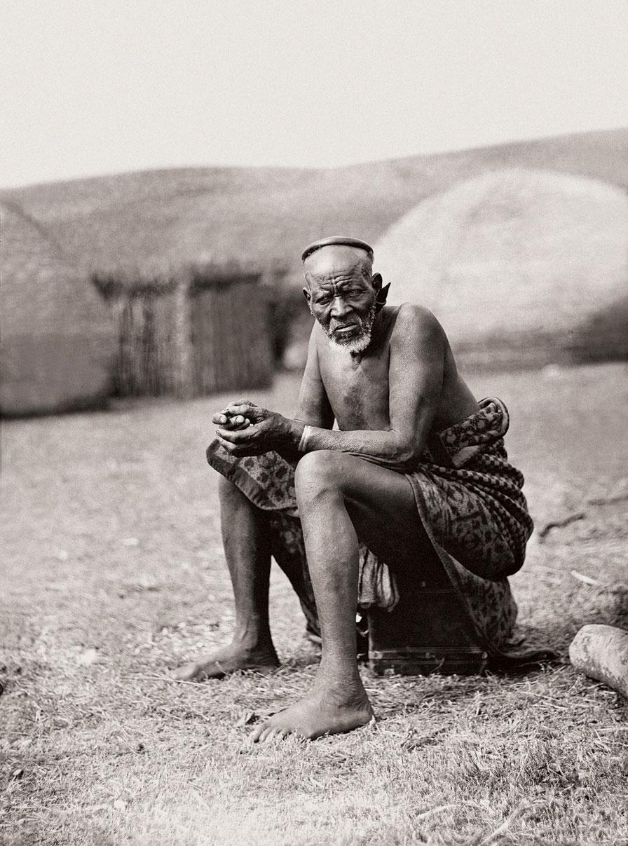 Mtuwaphansi Mphaza, an elderly Zulu man. (Duggan-Cronin, 2007. Pg. 25, Plate 8)
